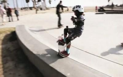 Asher Bradshaw  7 ans retourne le bowl de Venice Beach