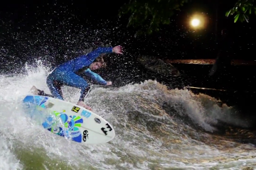 FUSCINATION river surf