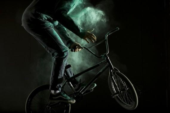 "Welded x Vans - Matthias Dandois ""Dust"" 2"