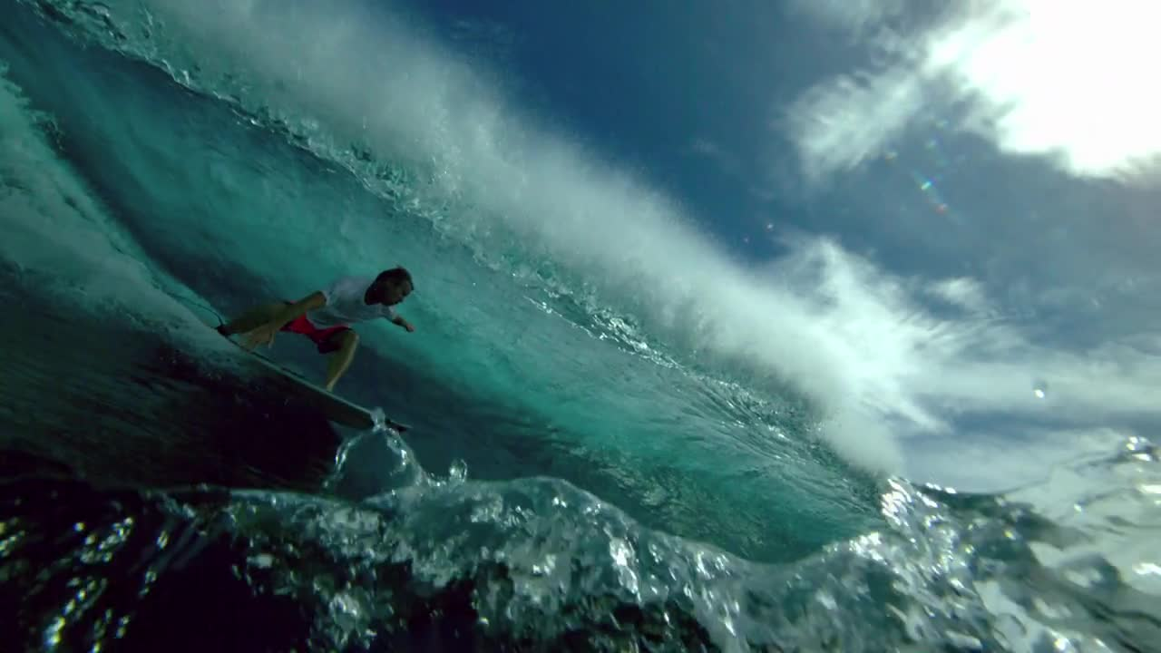 Surfing at 1000 Frames Per Second by Chris Bryan surf - Phantom Flex